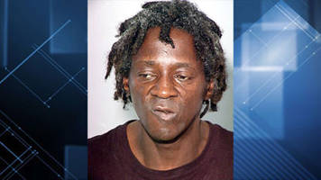 Flavor Flav taking plea deal in Vegas battery case