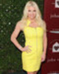 Diet diva! Jessica Simpson shows 60lb weight loss in figure-hugging dress